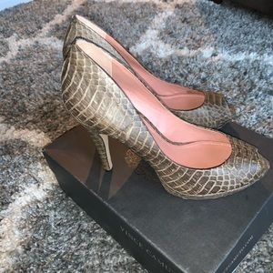 NWT Vince Camuto heels!